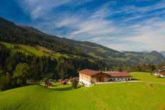 Lanscape di autunno in valle di Alpbach, Austria Immagine Stock