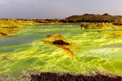 Lanscape van zuur meer in Danakil-depressie, Ethiopië Stock Afbeeldingen