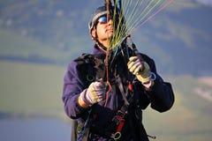 Lanserande vinge för Paraglider Royaltyfri Bild
