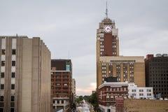 Lansing Michigan Cityscape op een Regenachtige Dag stock fotografie