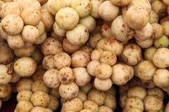 Lansium-parasiticum (langes Kong), tropische Frucht lizenzfreie stockfotografie