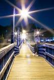 Lantaarn bij nacht in de haven Stock Afbeeldingen
