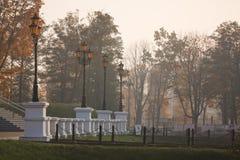 Lantaarn in de herfsttijd, Kaliningrad Stock Fotografie