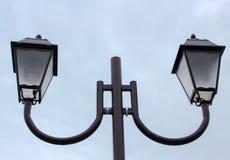 Lantaarn met de hand gemaakte lamp op wit Stock Foto