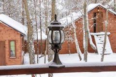 Lantaarn op sneeuw Royalty-vrije Stock Foto