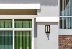 Lantaarn voor nieuw huis Royalty-vrije Stock Foto's