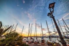 Lantaarnpaal door het overzees in Alghero Royalty-vrije Stock Afbeeldingen