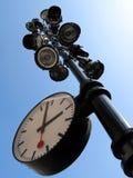 Lantaarnpaal met een klok Stock Foto