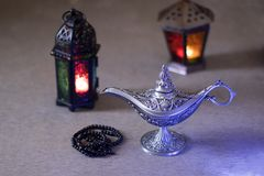 Lantaarns en de Oude lamp van Egypte aladdin voor Ramadan Kareem/Eid al-Fitr Mubarak royalty-vrije stock foto