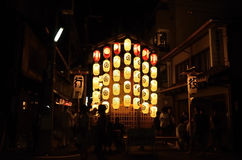 Lantaarns van Gion-festivalnacht, Kyoto in de zomer Stock Foto
