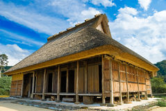 lantbrukarhem thatched japan Arkivfoton