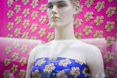 Lantejoulas coloridas da forma da cópia da tela de matéria têxtil do manequim fotos de stock