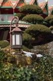 Lanterna asiática com neve Imagem de Stock Royalty Free