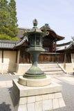 Lanterna bronze tradizionale giapponese Immagini Stock Libere da Diritti