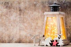 Lanterna com árvore de Natal, decoração do Natal ano novo feliz 2007 Imagem de Stock