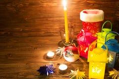 Lanterna com velas, decoração do Natal Fotografia de Stock Royalty Free
