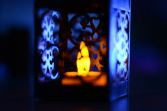 Lanterna con la luce morbida della candela Fotografia Stock Libera da Diritti