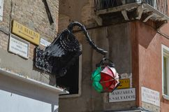 Lanterna criativa do dragão fotografia de stock royalty free