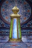 Lanterna d'annata sopra Ramadan Fabric Fotografia Stock Libera da Diritti
