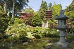 Lanterna da paz e do pagoda Imagens de Stock Royalty Free