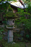 Lanterna de pedra japonesa Fotos de Stock