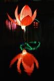 Lanterna del loto nei giardini Fotografie Stock
