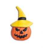 Lanterna della presa della testa della zucca di Halloween fatta da plasticine Fotografia Stock
