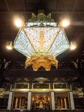 Lanterna dentro do templo de Nishi Honganji - Kyoto, japão Fotos de Stock