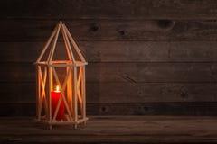 Lanterna di legno su vecchio fondo rustico Immagini Stock Libere da Diritti