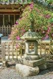 Lanterna di pietra giapponese antica Fotografia Stock