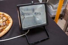Lanterna, lanterna em um fundo escuro, lanterna elétrica Fotografia de Stock Royalty Free
