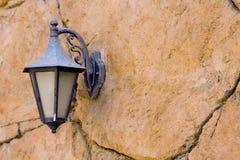Lanterna em uma parede Imagens de Stock