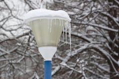 Lanterna nell'inverno Immagini Stock
