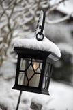 Lanterna nella neve Immagine Stock
