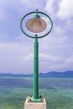 Lanterna no cais de Phuket, Tailândia imagens de stock