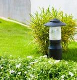 Lanterna no jardim fotografia de stock royalty free