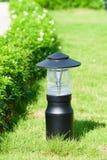 Lanterna no jardim imagem de stock royalty free