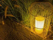 Lanterna no jardim da noite Imagem de Stock Royalty Free