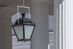 Lanterna simples no templo do grego clássico Foto de Stock Royalty Free