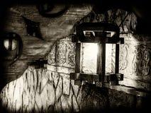 A lanterna sobre a entrada ao restaurante Imagens de Stock
