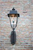 Lanterna su una parete Immagine Stock