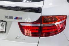 Lanterna traseira traseira com alinhamento da ideia de suportes de ajustamento brancos novos muito caros luxuosos do carro de BMW fotos de stock royalty free