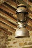 Lanterna velha do petróleo fotos de stock