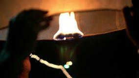 Lanternas bonitas no festival de Loy Krathong video estoque