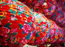 Lanternas chinesas modernas coloridas do close-up Fotos de Stock