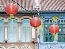 Lanternas chinesas na rua de singapore Fotografia de Stock