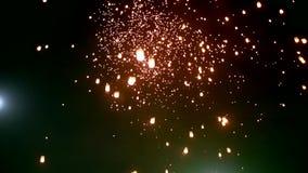 Lanternas de flutuação ou Khom Loy em Chiang Mai Loy Krathong Festival vídeos de arquivo