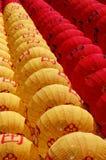 Lanternas de papel chinesas de ano novo fotografia de stock royalty free