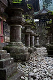 Lanternas de pedra em Nikko fotografia de stock royalty free