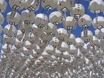 Lanternas e céu fotos de stock
